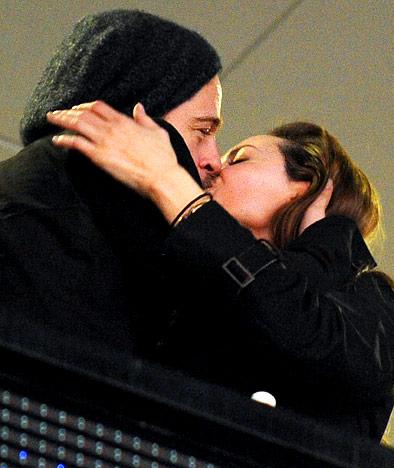 Brangelina's Sweet Kissing